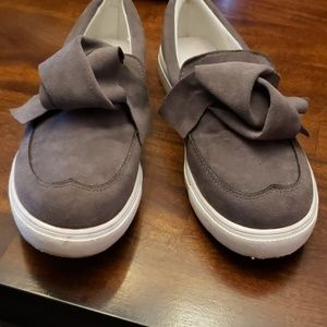 Cute knotted bow slipon shoes